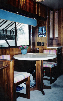 ining table in our 1992 Foretravel Silver Anniversary